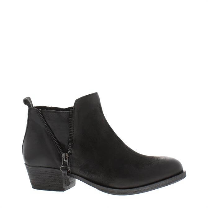 Carl Scarpa Aralia Black Ankle Boots