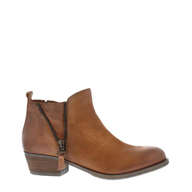 Carl Scarpa Aralia Tan Ankle Boots
