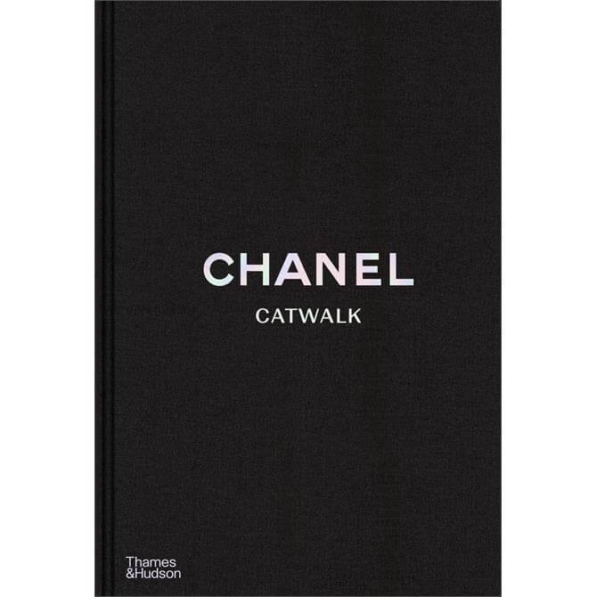 Chanel Catwalk By Patrick Mauries (Hardback)