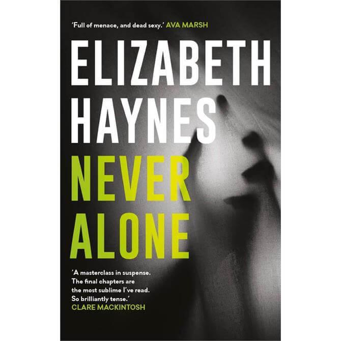 Never Alone By Elizabeth Haynes (Paperback)
