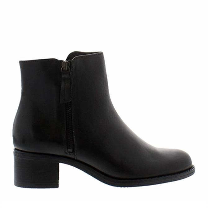 Carl Scarpa Agnes Black Leather Ankle Boots