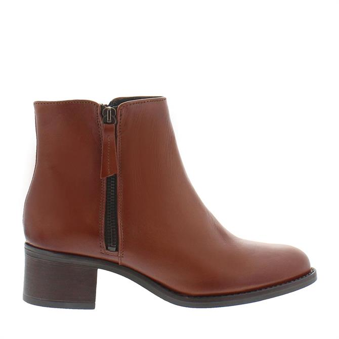 Carl Scarpa Agnes Tan leather Ankle Boots
