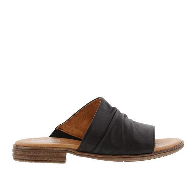 Carl Scarpa Volanta Black Leather Slip-On Sandals