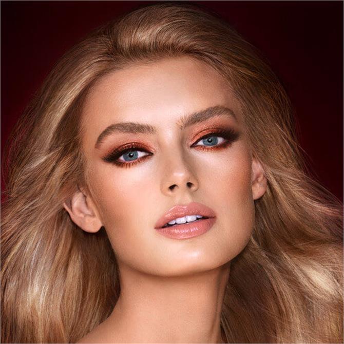 Charlotte Tilbury The Bella Sophia Look- Light-Medium
