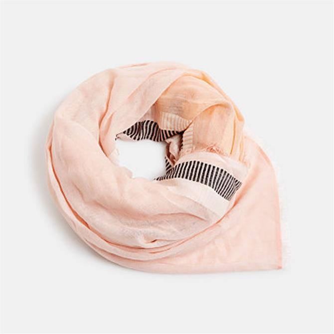 Esprit Scarf with LENZING ECOVERO Technology