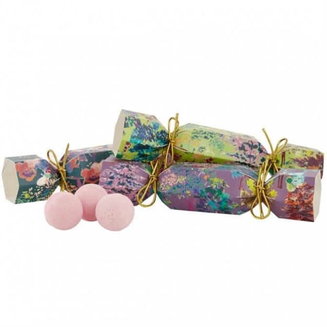 Heathcote & Ivory The Enchanted Forest Trio of Bath Fizzers in Christmas Crackers x9 5g