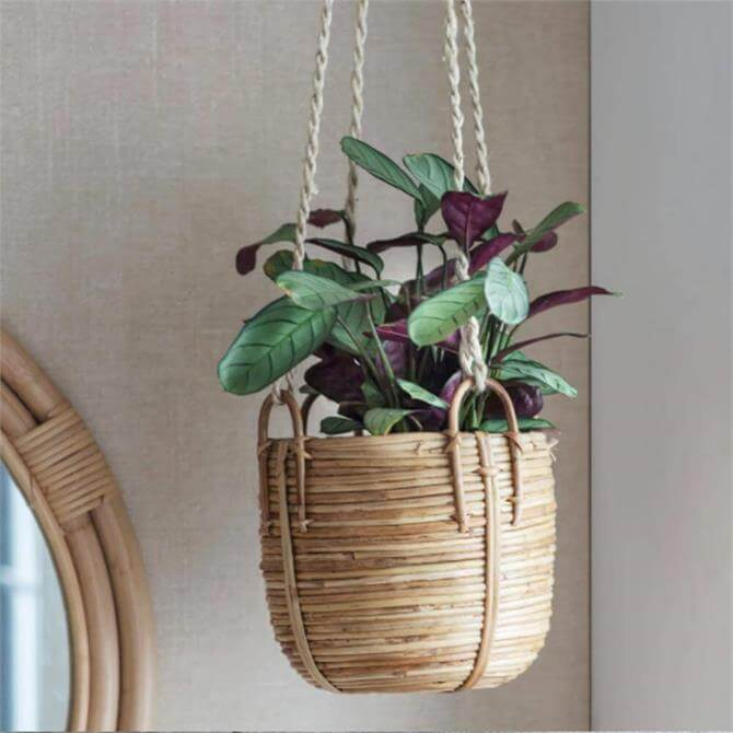 Garden Trading Mayfield Rattan hanging Plant Pot