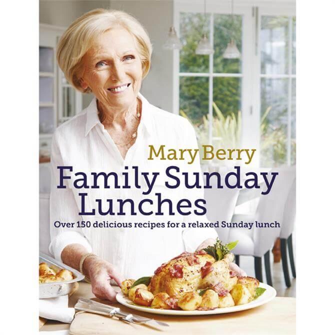 Mary Berry's Family Sunday Lunches (Hardback)