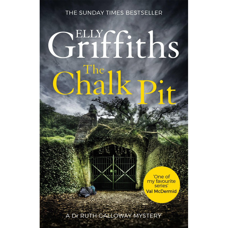 An image of The Chalk Pit by Elly Griffiths: The Dr Ruth Galloway Mysteries 9 (Paperback)