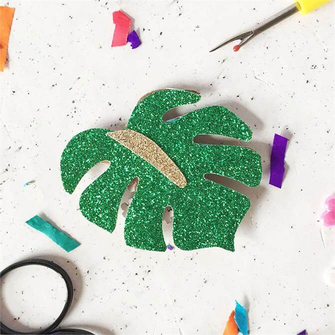 The Make Arcade Botanic Glitter Badge Kit